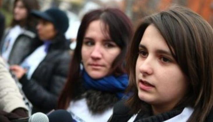 """Sora elevului ucis marturiseste: """" Nicio pedeapsa nu ar putea sa ni-l aducă inapoi pe Andrei"""""""